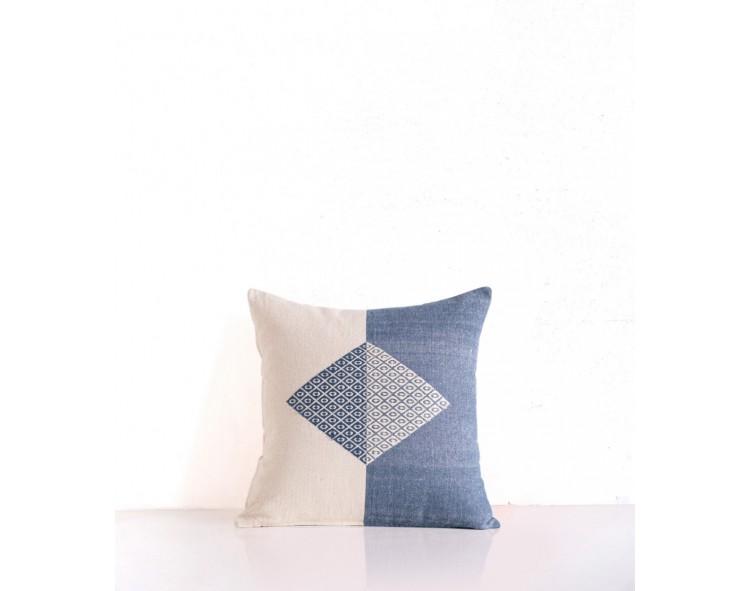 Hand-woven cushion cover