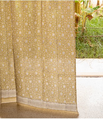 Indian curtain