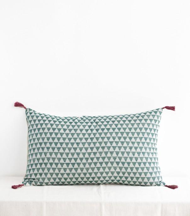 housse de coussin ethnique vert sapin 40x65 cm. Black Bedroom Furniture Sets. Home Design Ideas