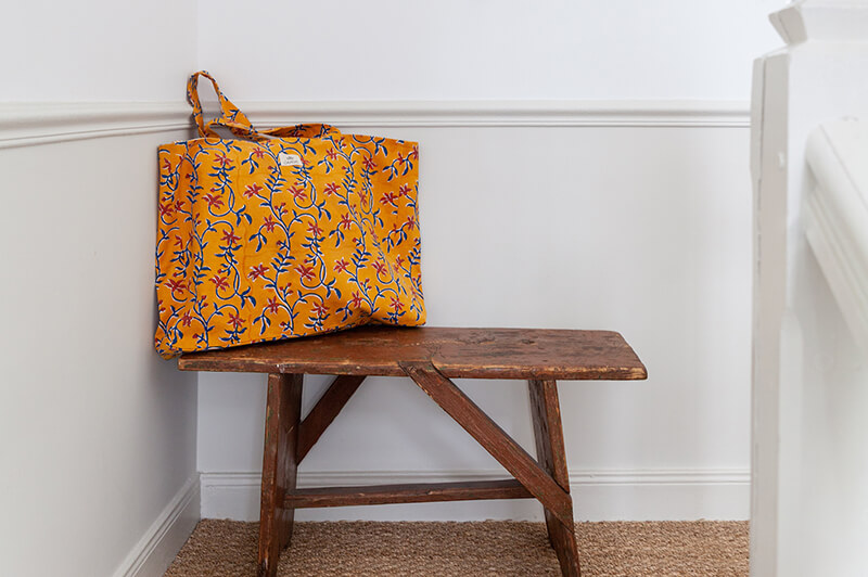 Bags & tote bags