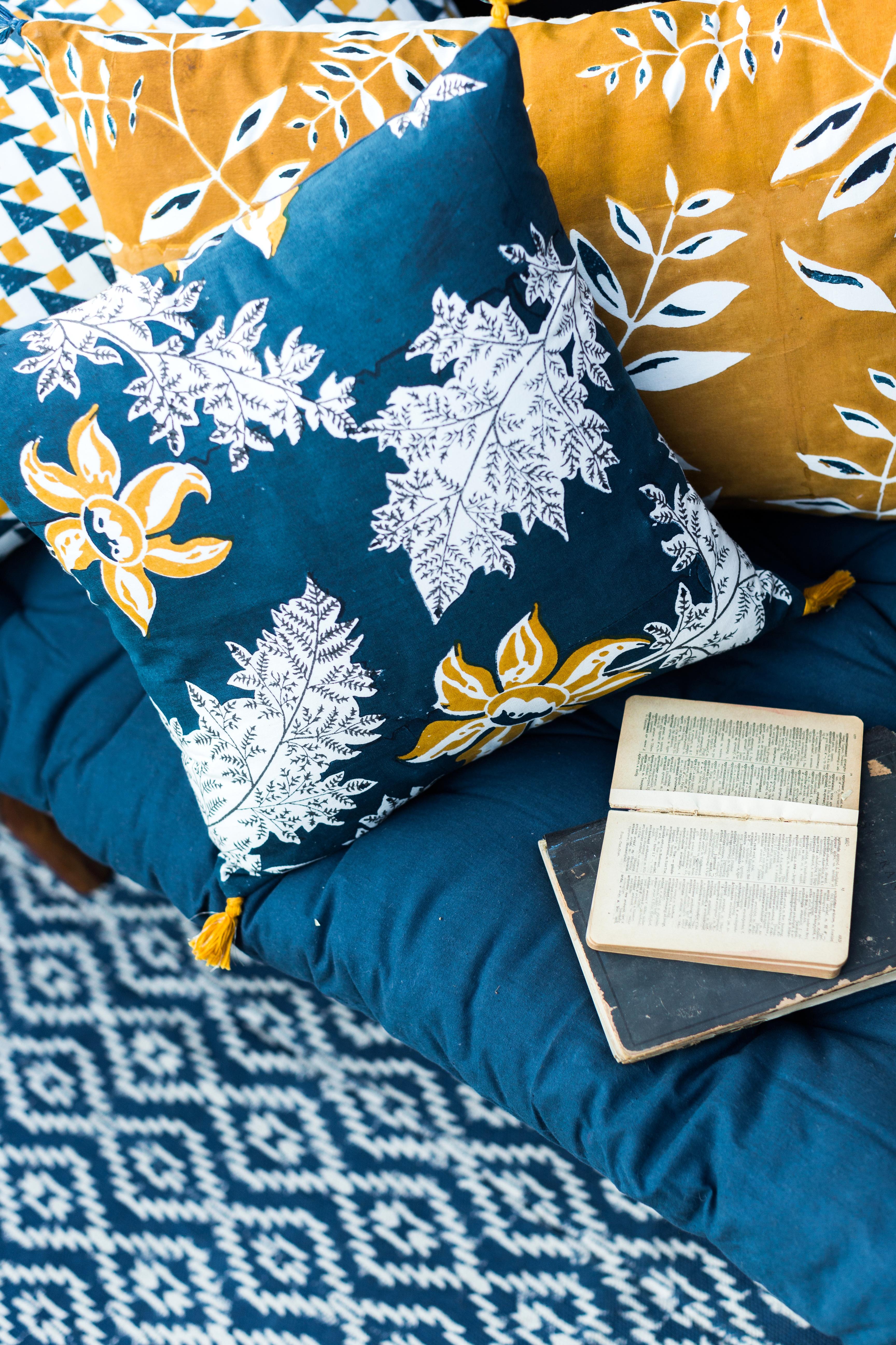 cushion cover jamini
